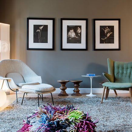 5 ideas to use the Papa Bear chair midcentury modern living room