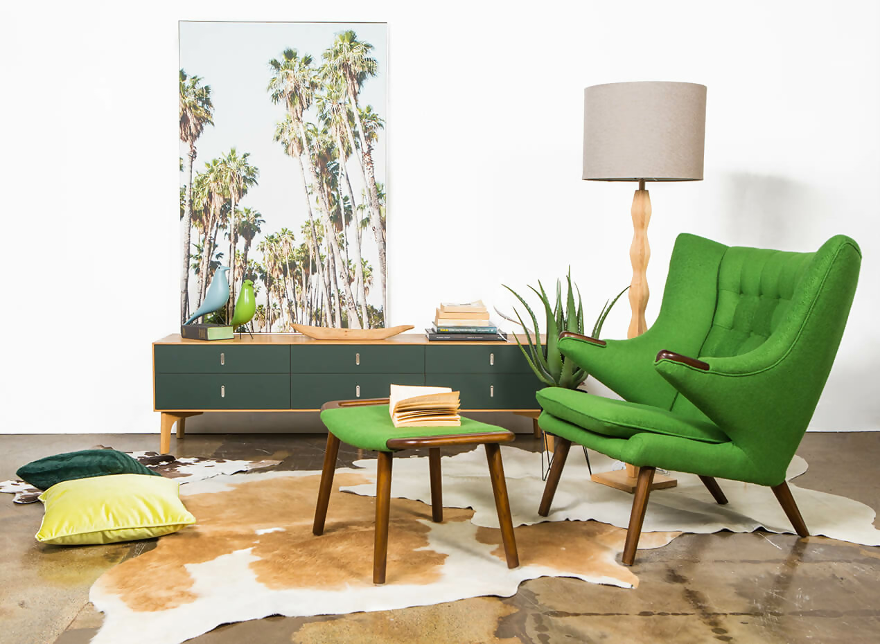 5 ideas to use the Papa Bear chair midcentury modern living room green