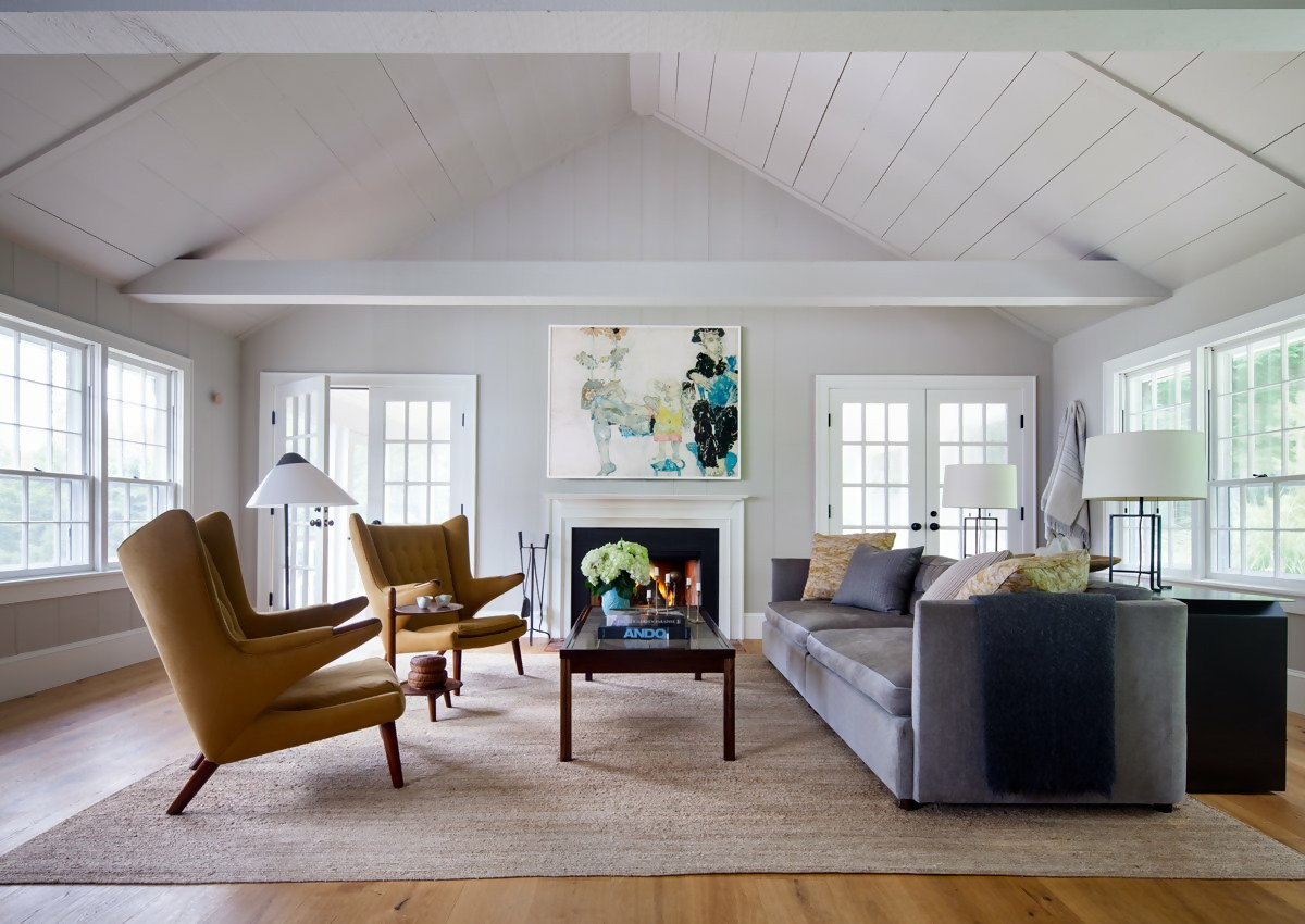 5 ideas to use the Papa Bear chair midcentury modern living room white natural light