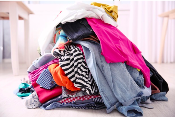 Rubbish Removal – How Can You Avoid Clothes Ending up on Landfills?