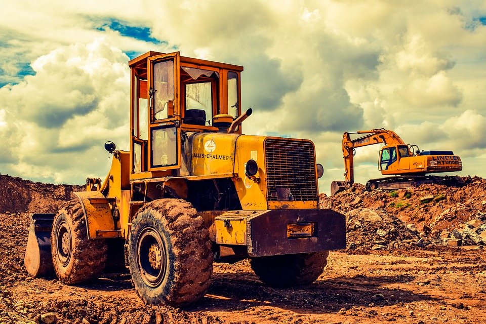 Heavy Construction Equipment That Makes Building a Home Easy