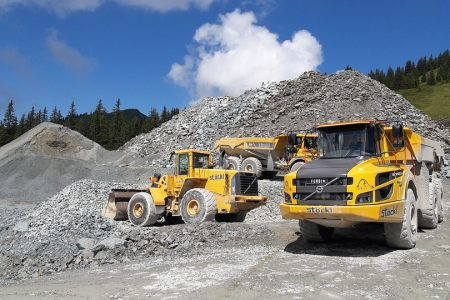 Benefits of Choosing dump Trucks for Construction Sites
