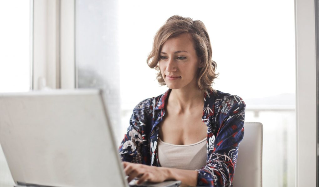 Do You Suffer From Social Anxiety? Talking To An Online Therapist Can Help