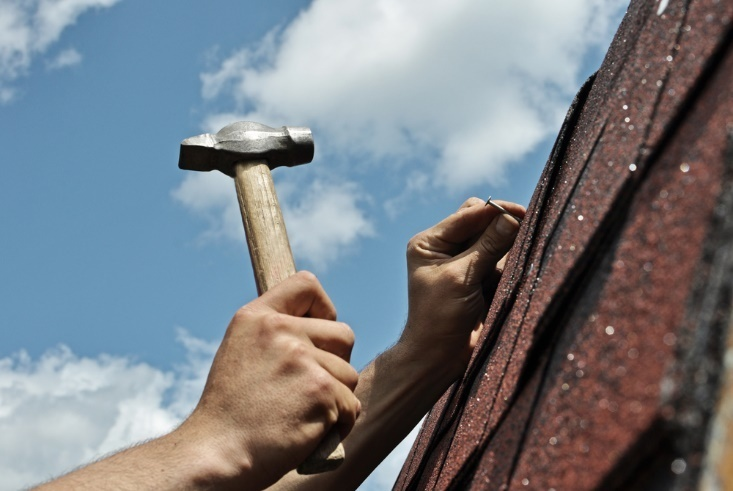 DIY Roof Repair Tips (and When to Call in the Pros)