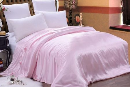 Why Silk Pillowcases Are The Healthiest