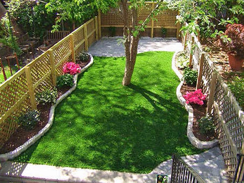 garden ideas for small backyard
