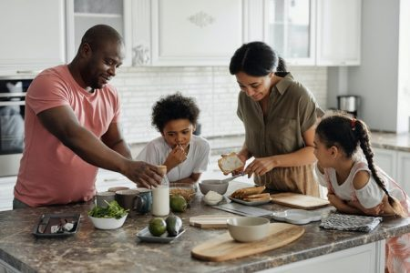 Ways to make moving fun for the whole family (1)